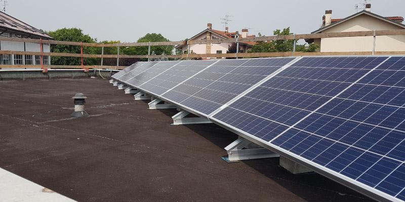 Impianti fotovoltaici su scuole
